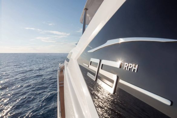 THE AZIMUT GRANDE 95RPH FITS IN ANYWHERE
