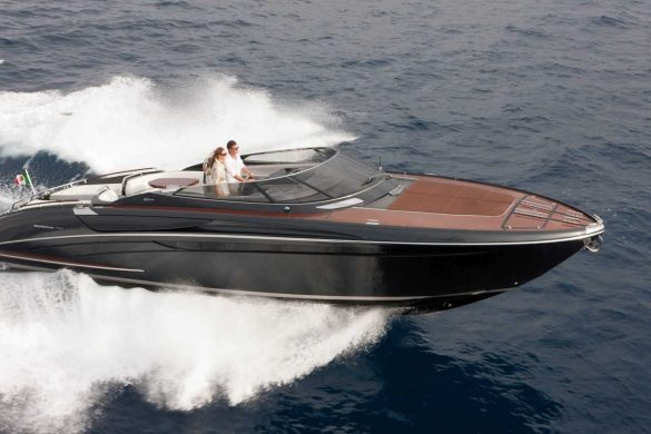 SUMMER FUN IN THE 43′ RIVAMARA SUPER | BY RIVA