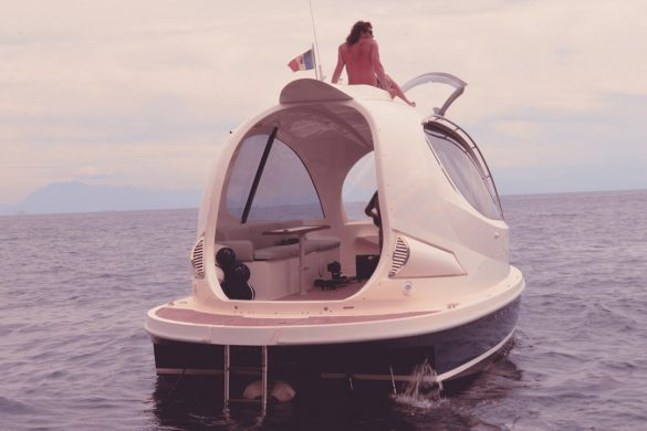 THE JET CAPSULE IS YOUR LUXURY ESCAPE POD